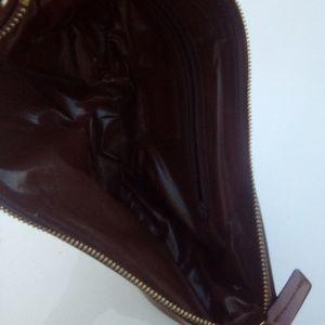 Woman's vintage 90s leather handbag